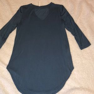 Tops - Buttery soft keyhole top